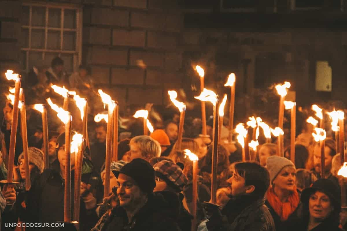 Torchlight procession Edinburgh 2