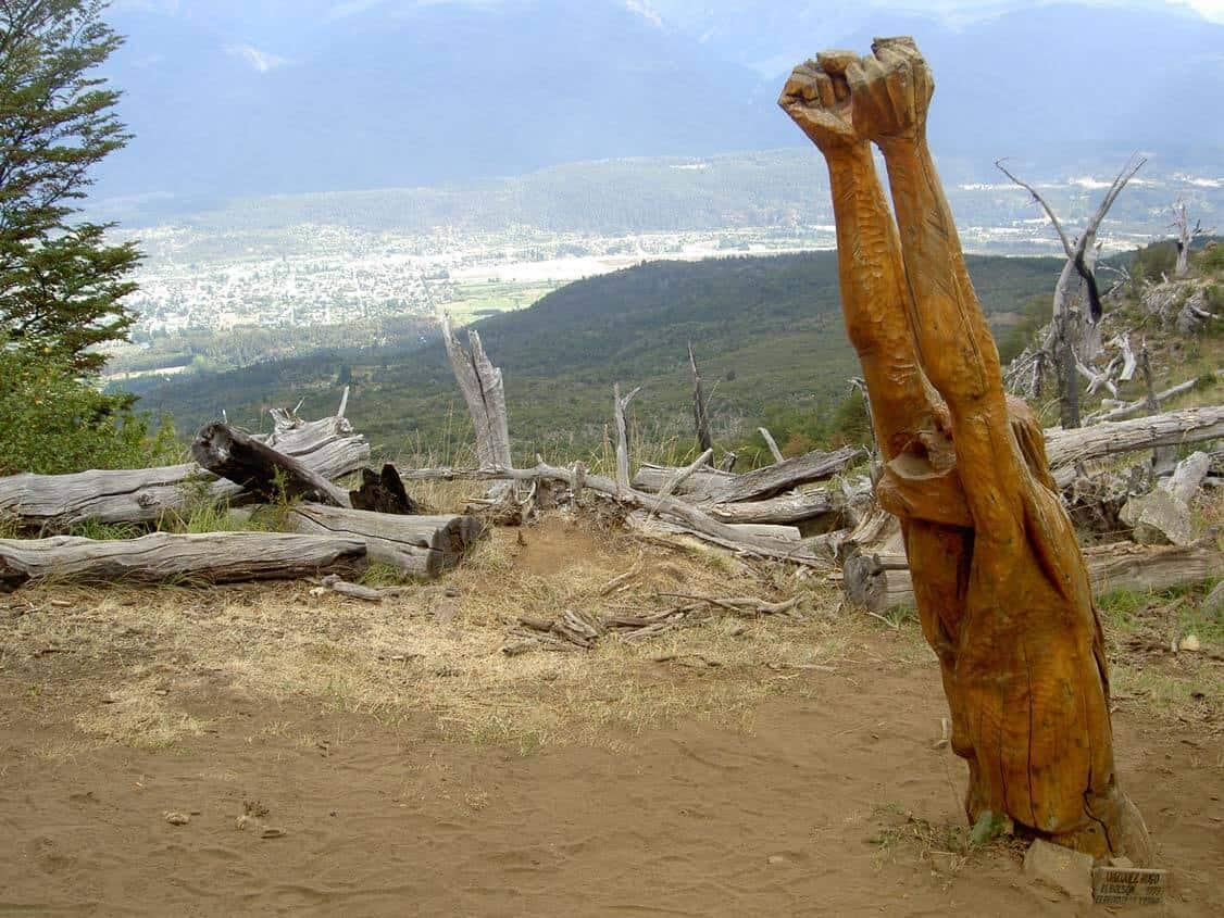 Pueblos de Argentina - El bosque tallado