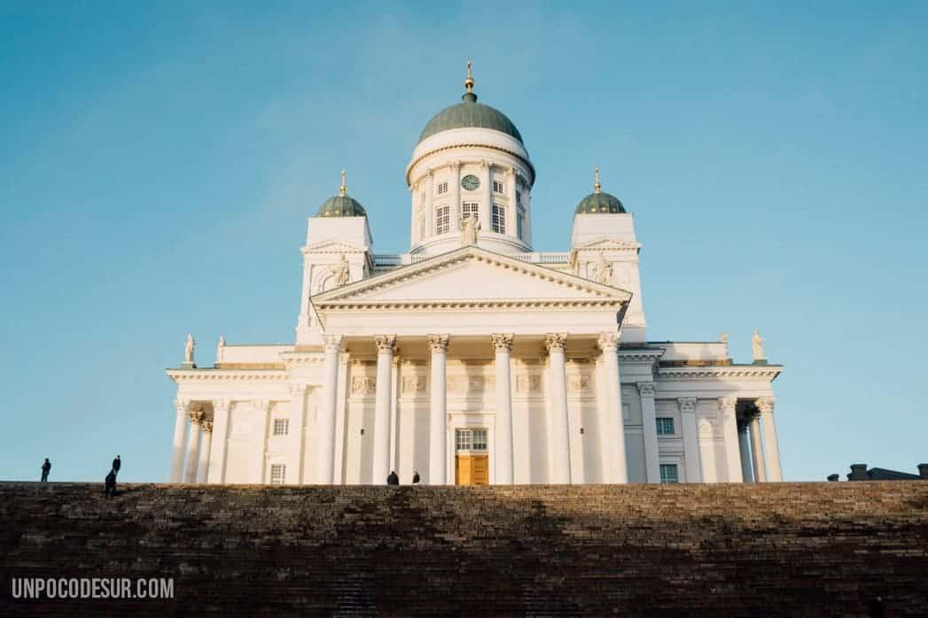 Catedral de Helsinki y plaza del senado